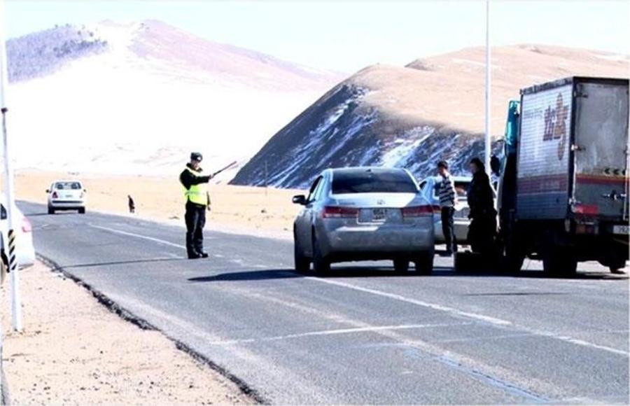 Орон нутгийн замд хурд хэтрүүүлвэл торгууль ноогдуулж, жолоодох эрхийг 6 сараар хасна